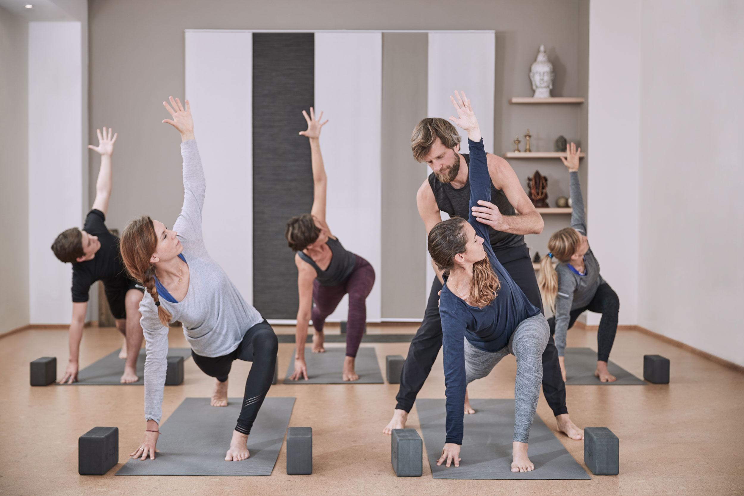 Yogastile im Yogastudio Samadhi Ottersberg: Vinyasa Yoga und Hatha Yoga