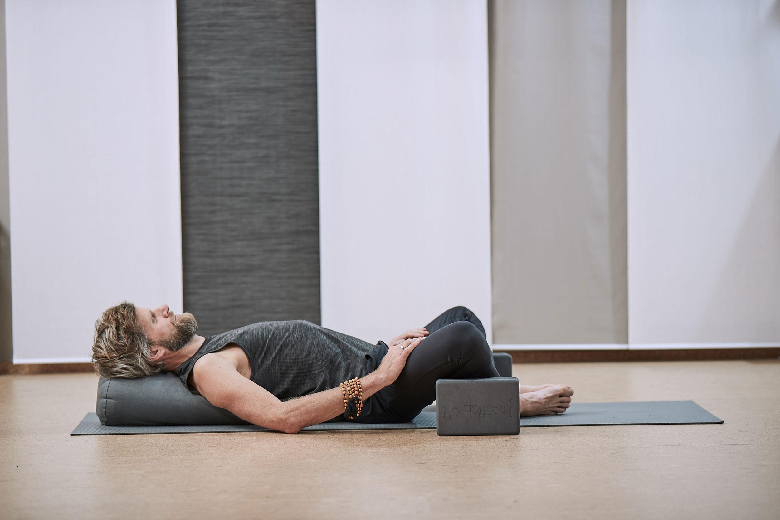 Yogastile im Yogastudio Samadhi Ottersberg: Yin Yoga